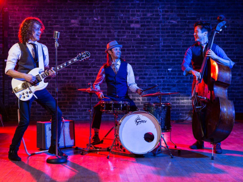 Bluewater Kings Band in Chicago, Illinois | Live Wedding Band | Wedding Entertainment
