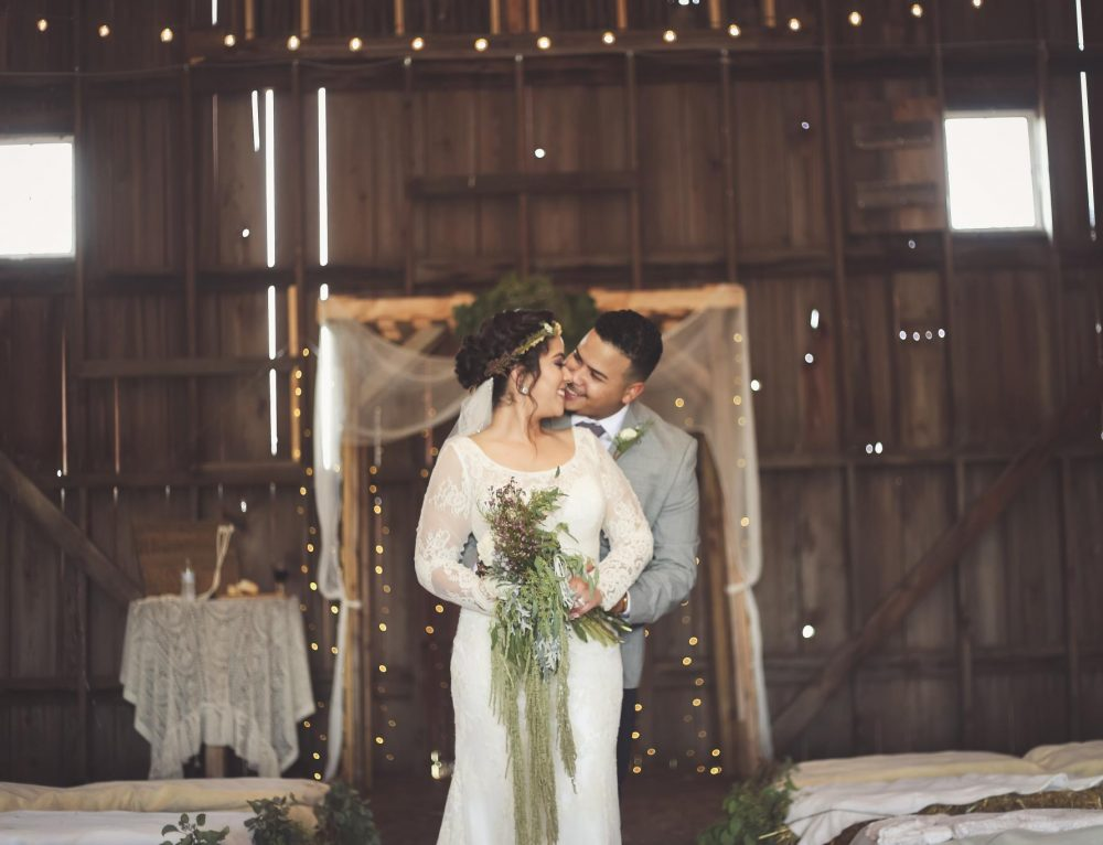 Local Love: Angie & Johnathan at The Barn at Allen Acres