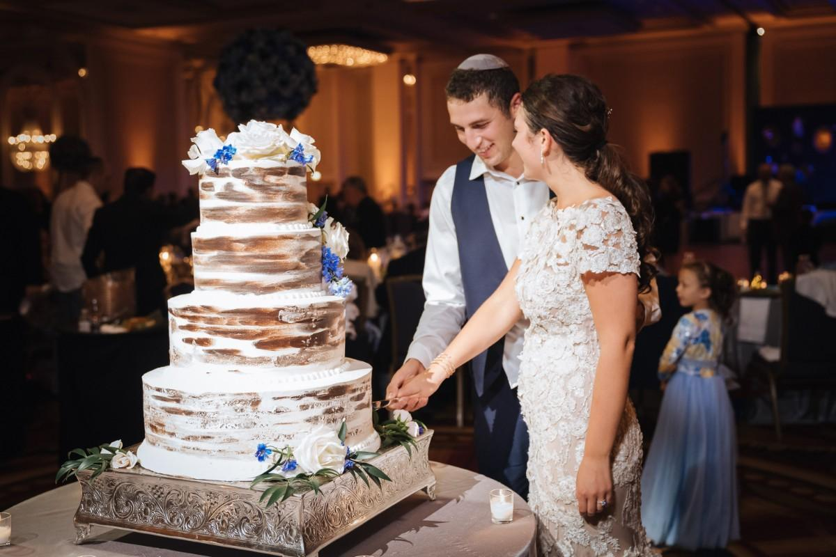 Tomi & Matan at Hilton Chicago in Chicago IL wedding cake