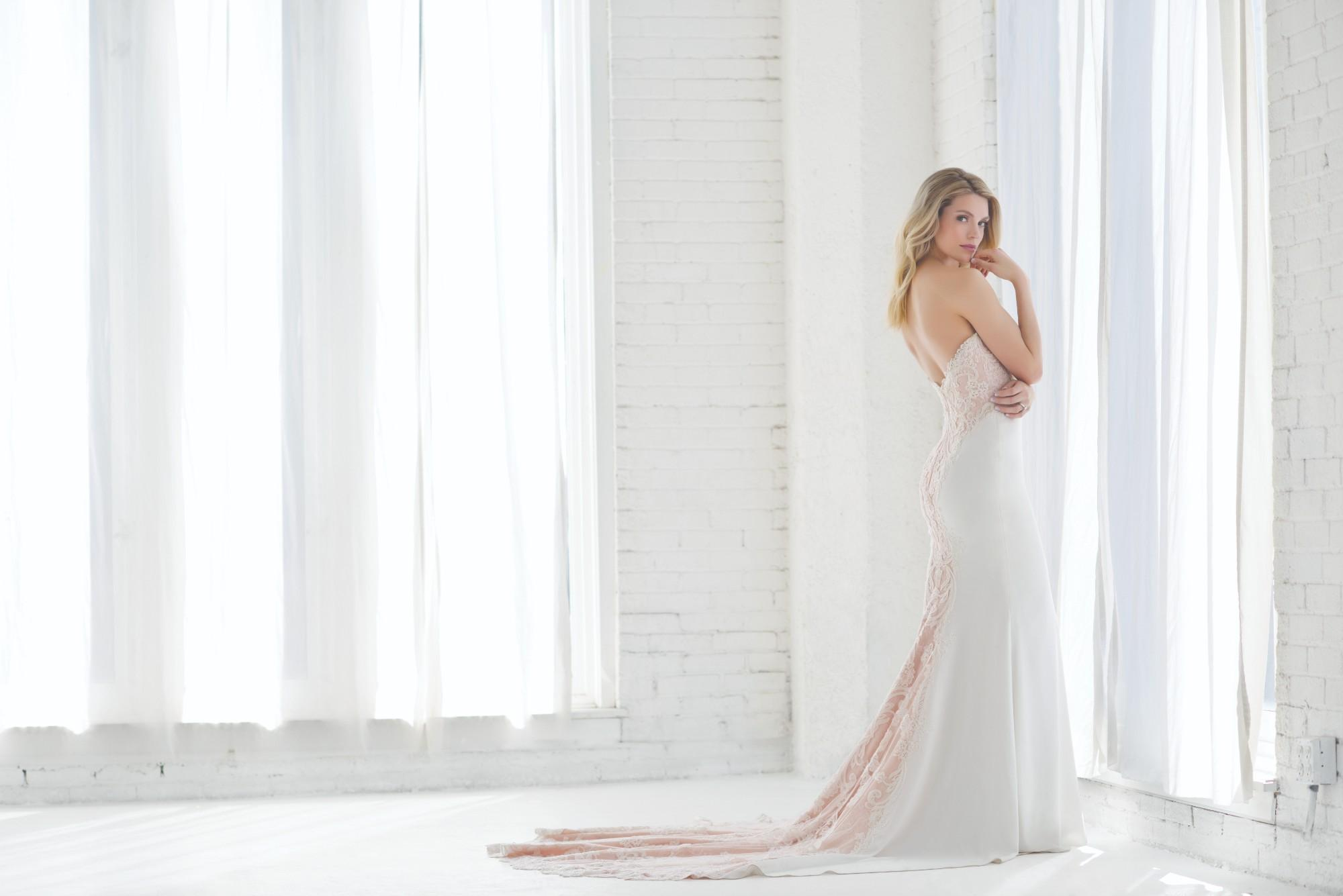 Pure Beauty Bridal Fashion Shoot - ChicagoStyle Weddings - Wedding Gown - Wedding Dress - July 2018