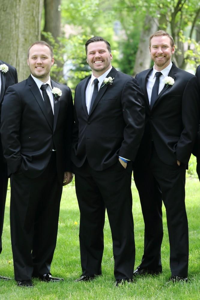 Delaney and Ross groomsmen