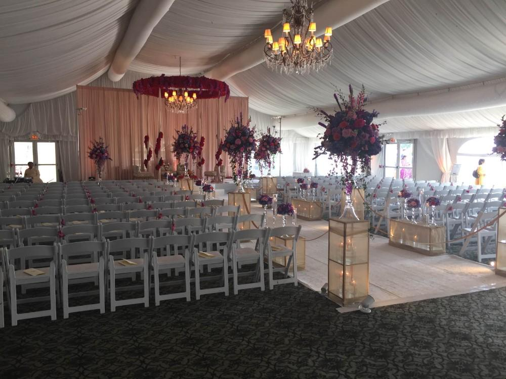 Hilton Chicago Oak Brook Hills marquis ceremony
