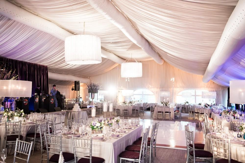 Hilton Chicago Oak Brook Hills resort tented wedding venue