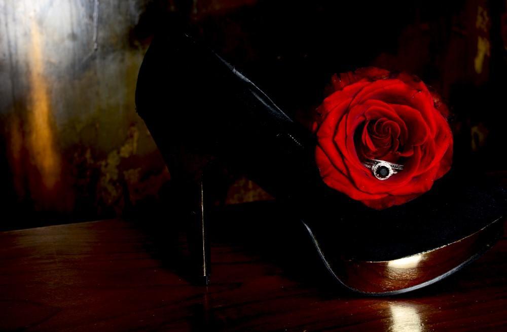 Styled Shoot Midnight Romance1