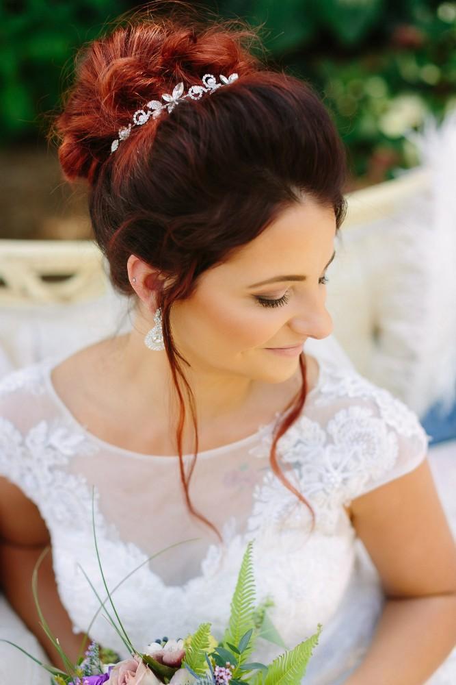 garden party bride's hair details
