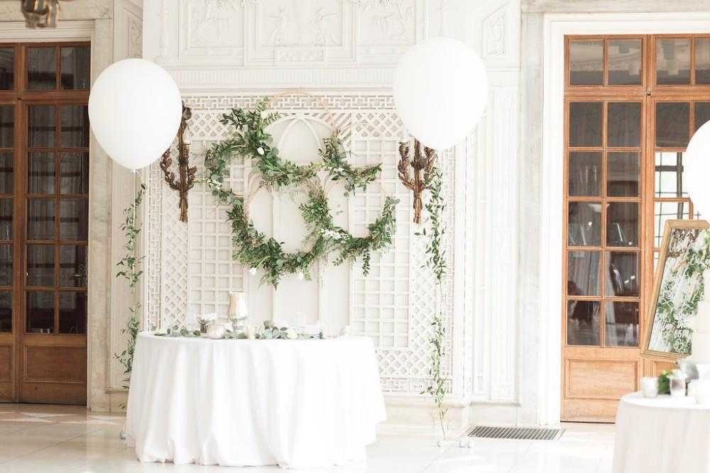 romantic greenery decor