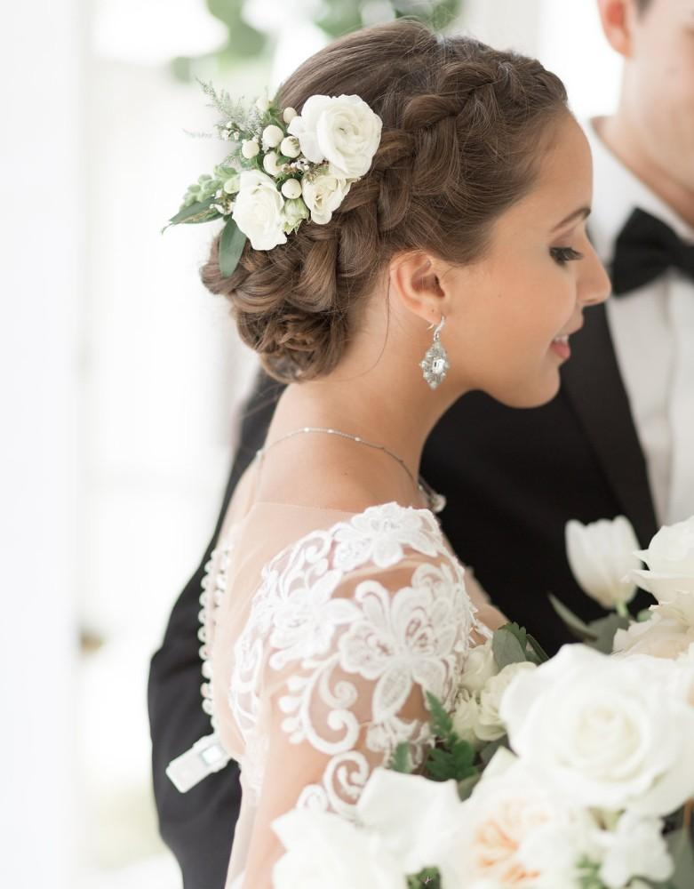 romantic greenery bride with flower in hair