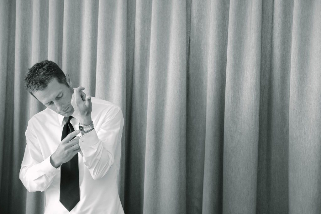 Dan Voss Photography | Groom Getting Ready
