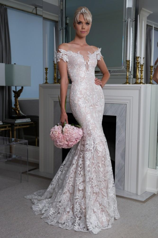 LEGENDS Romona Keveza Fall 2019 Collection