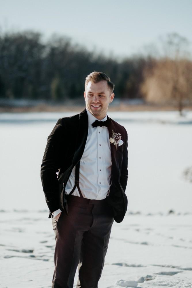 jen & brad reindeer snow groom