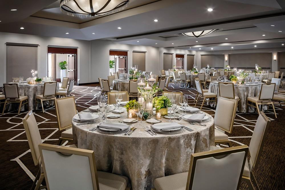 The Gwen Hotel in Chicago, Illinois | Wedding Venue