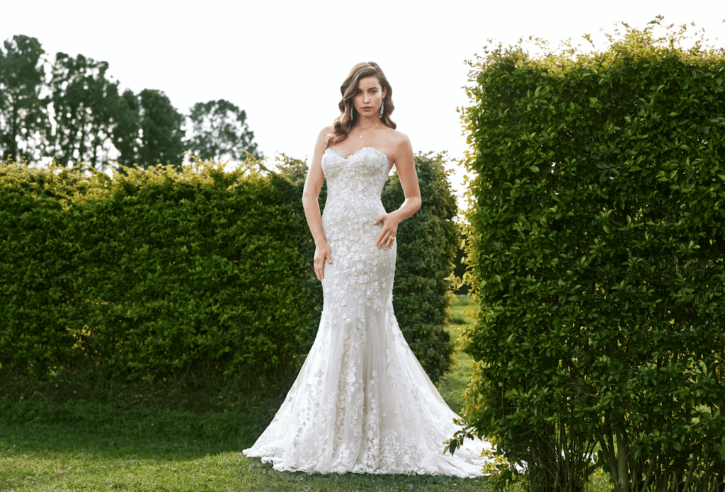 Welcome To The Fifi's Bridal & Custom Tailoring