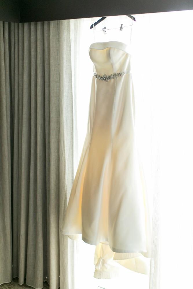 lauren colin wedding dress