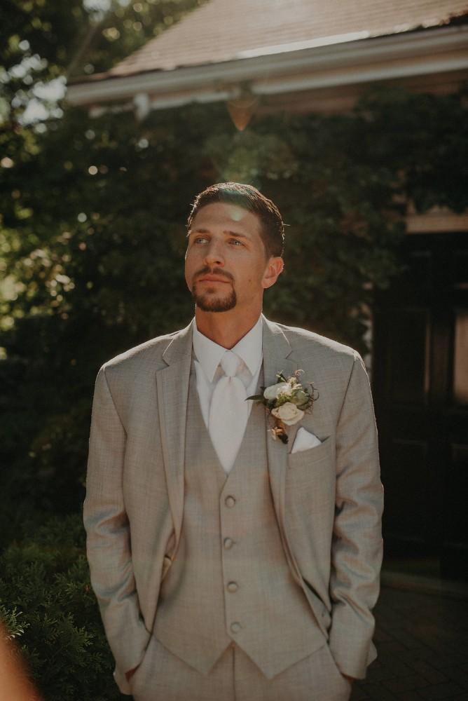 michelle ben wandering tree estate groom