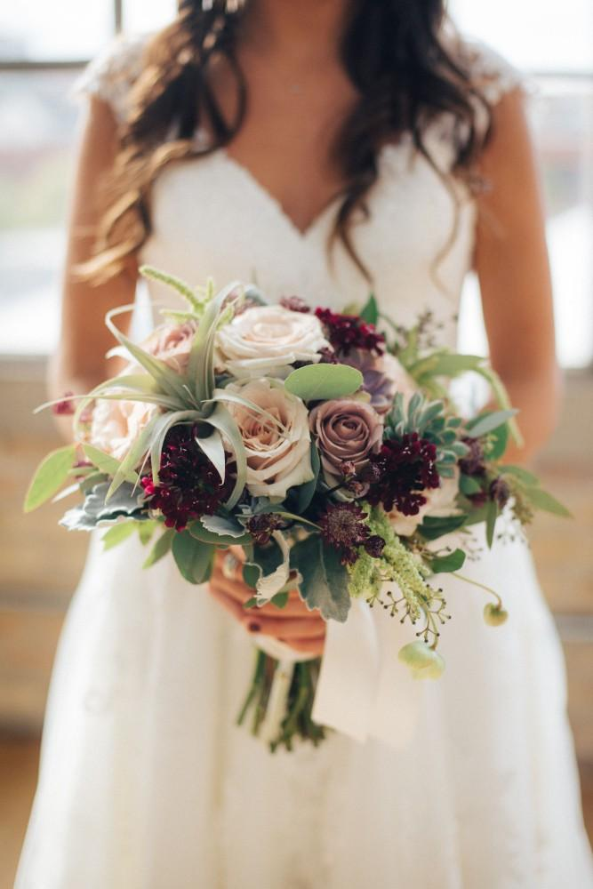 brittany greg ravenswood event center bridal bouquet