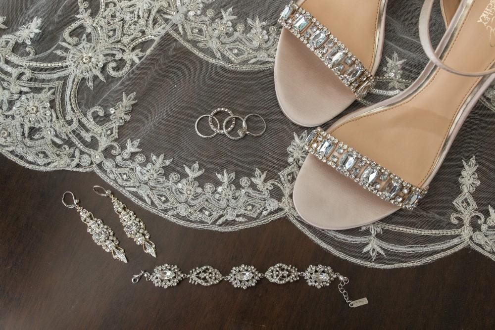 lauren and jordan haley mansion bridal details