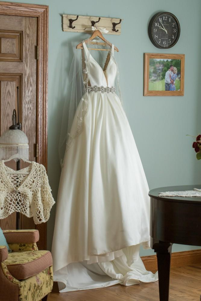 lauren and jordan haley mansion wedding dress