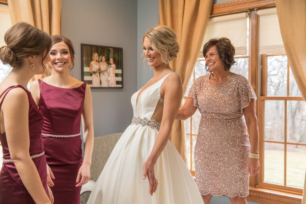 lauren and jordan haley mansion bride bridesmaids