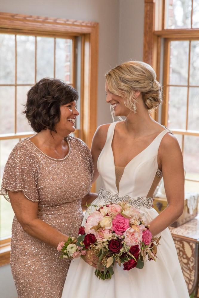 lauren and jordan haley mansion bride mom