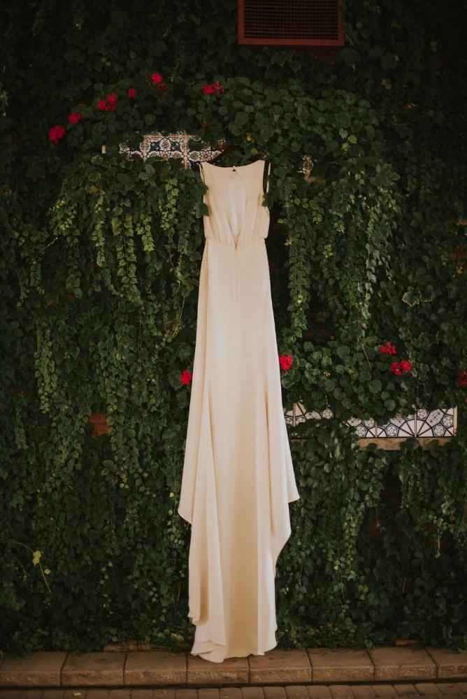 styled shoot vintage tuscany wedding gown