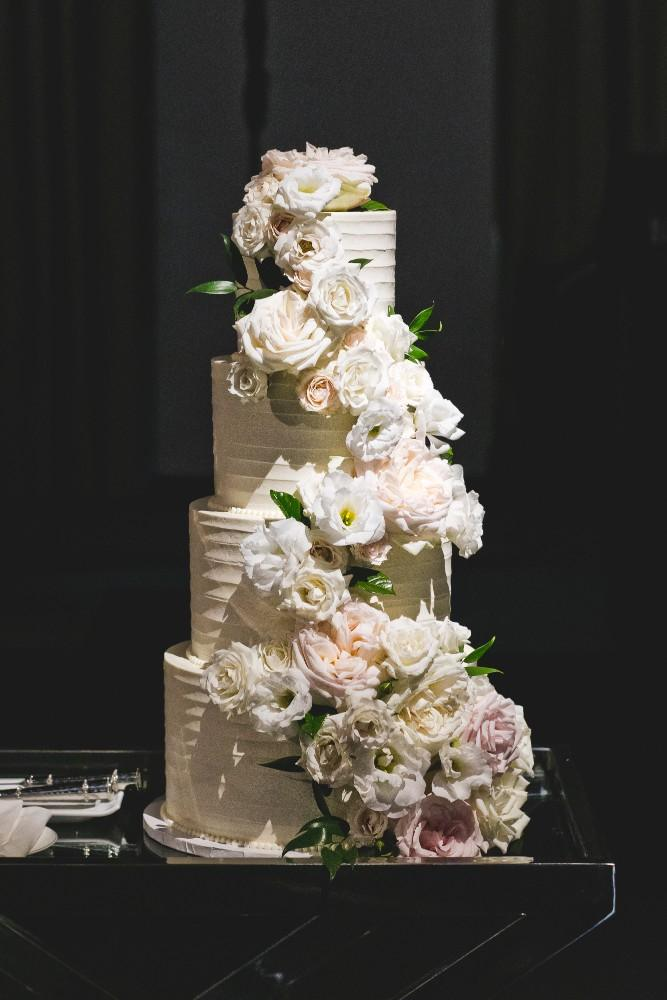 annie mike the langham chicago wedding cake