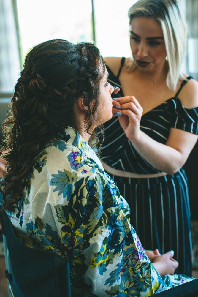 jessica john dinolfos banquets bride getting ready