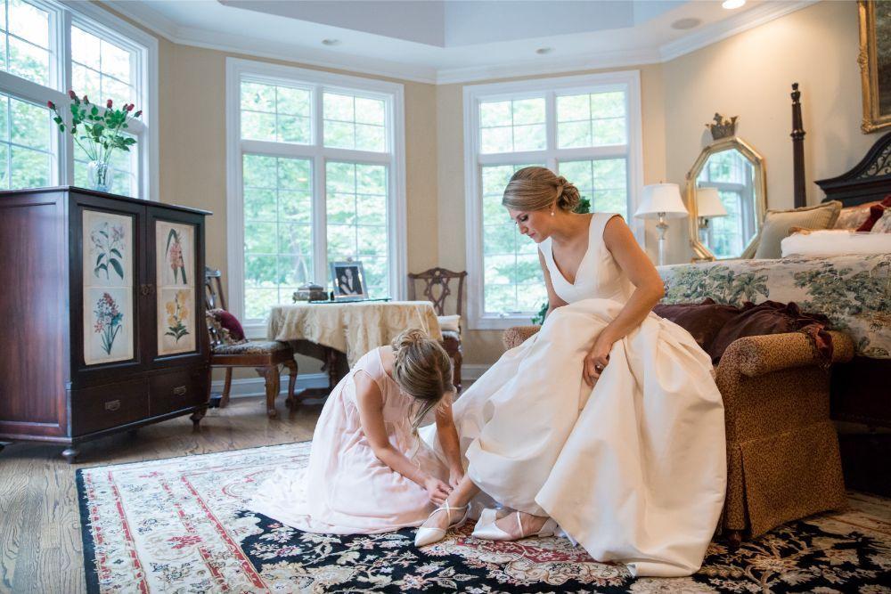 katrina drew the drake chicago wedding bride getting ready