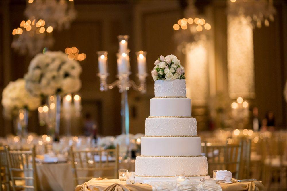 katrina drew the drake chicago wedding wedding cake