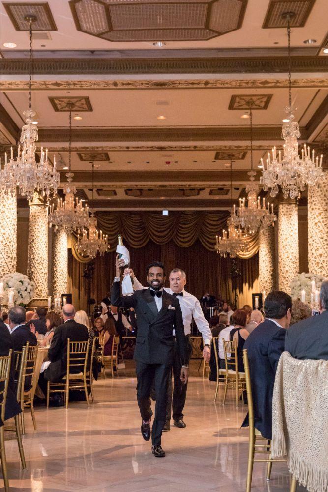 katrina drew the drake chicago wedding champagne parade