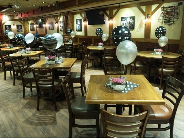 Gino's East in Rosemont, Illinois | Wedding Venue | Rehearsal Dinner | Event Venue