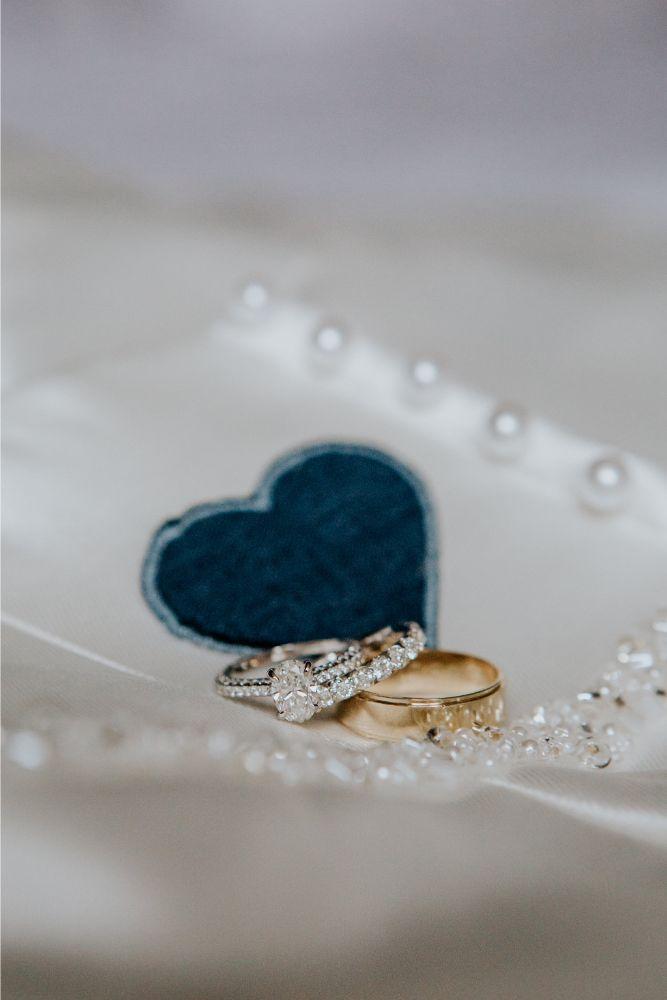 cassie ryan chicago wedding chicago marriott southwest at burr ridge wedding rings