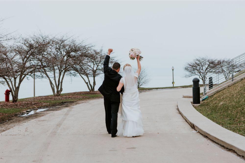 cassie ryan chicago wedding chicago marriott southwest at burr ridge wedding photography bride and groom
