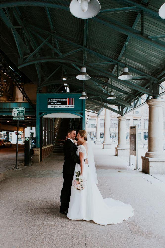 cassie ryan chicago wedding chicago marriott southwest at burr ridge chicago wedding photography el station