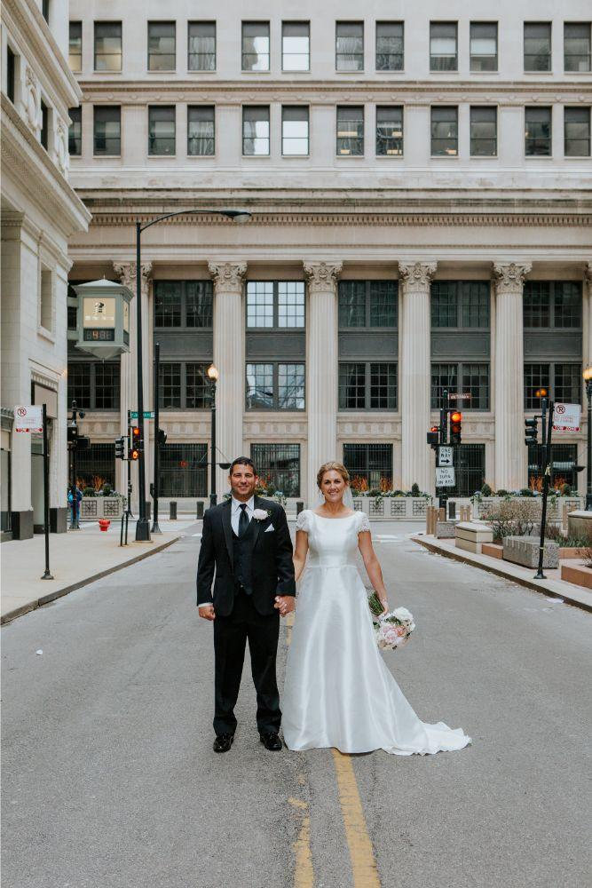 cassie ryan chicago wedding chicago marriott southwest at burr ridge bride and groom wedding photography