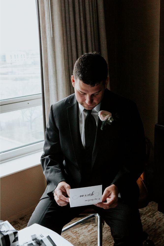 cassie ryan chicago wedding chicago marriott southwest at burr ridge groom getting ready