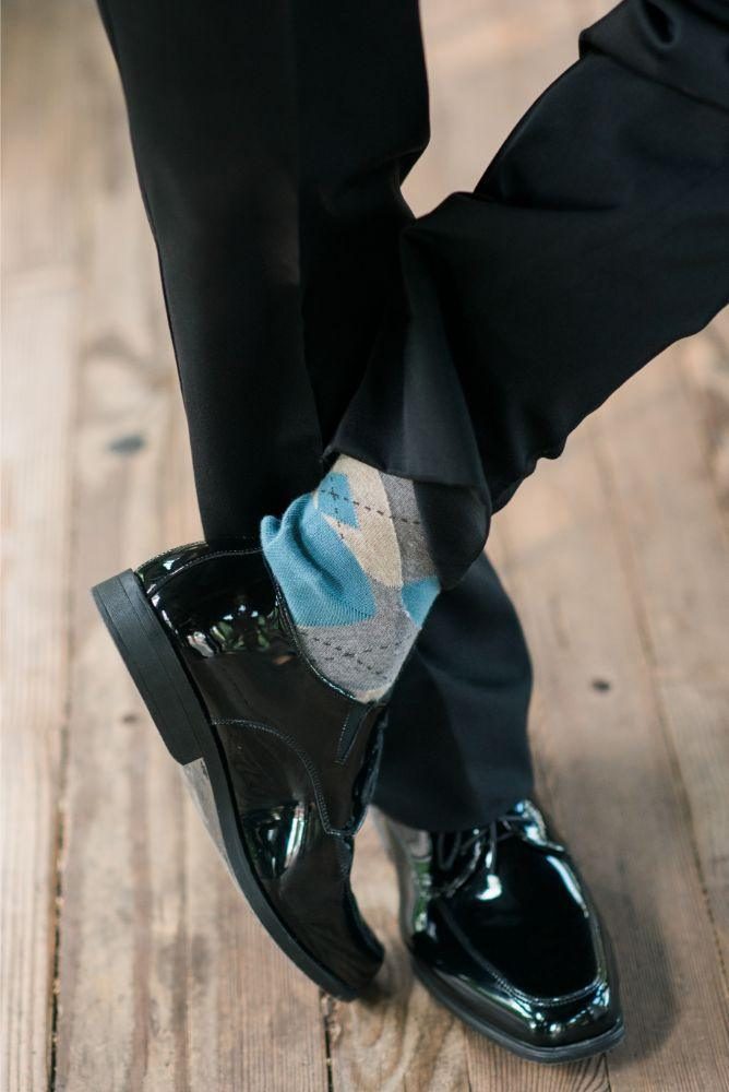 megan mike hotel indigo naperville rivewalk chicago wedding groom's socks