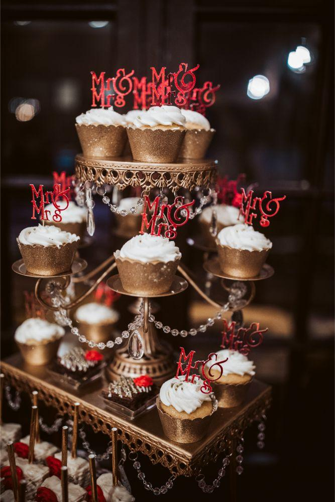 adrianna dean salvatore's chicago wedding cupcakes