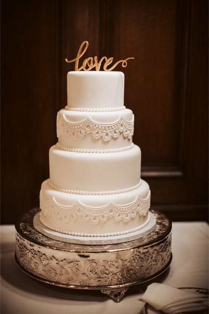 adrianna dean salvatore's chicago wedding white wedding cake