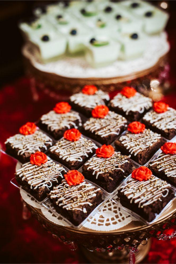 adrianna dean salvatore's chicago wedding reception desserts