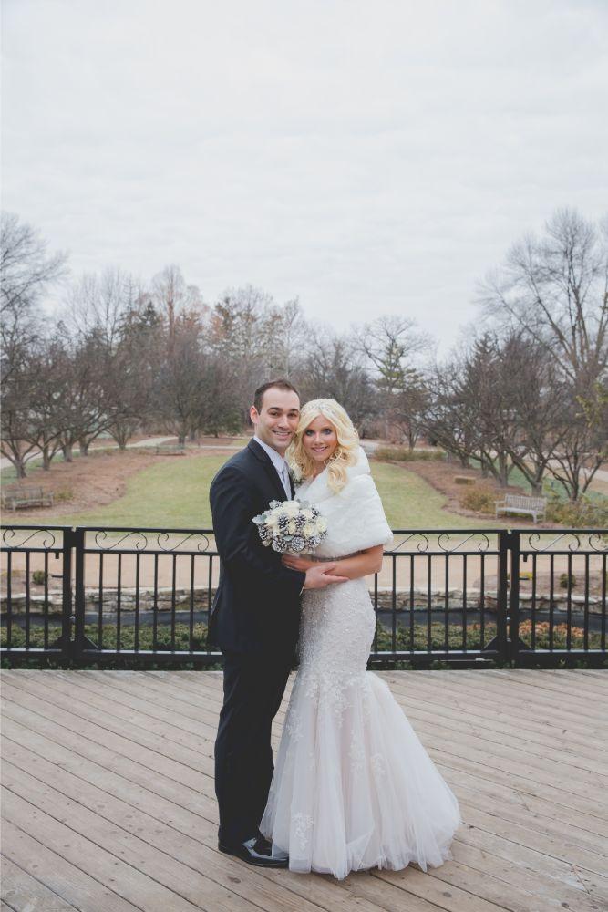 becky zach venuti's ristorante & banquet hall chicago wedding bride and groom