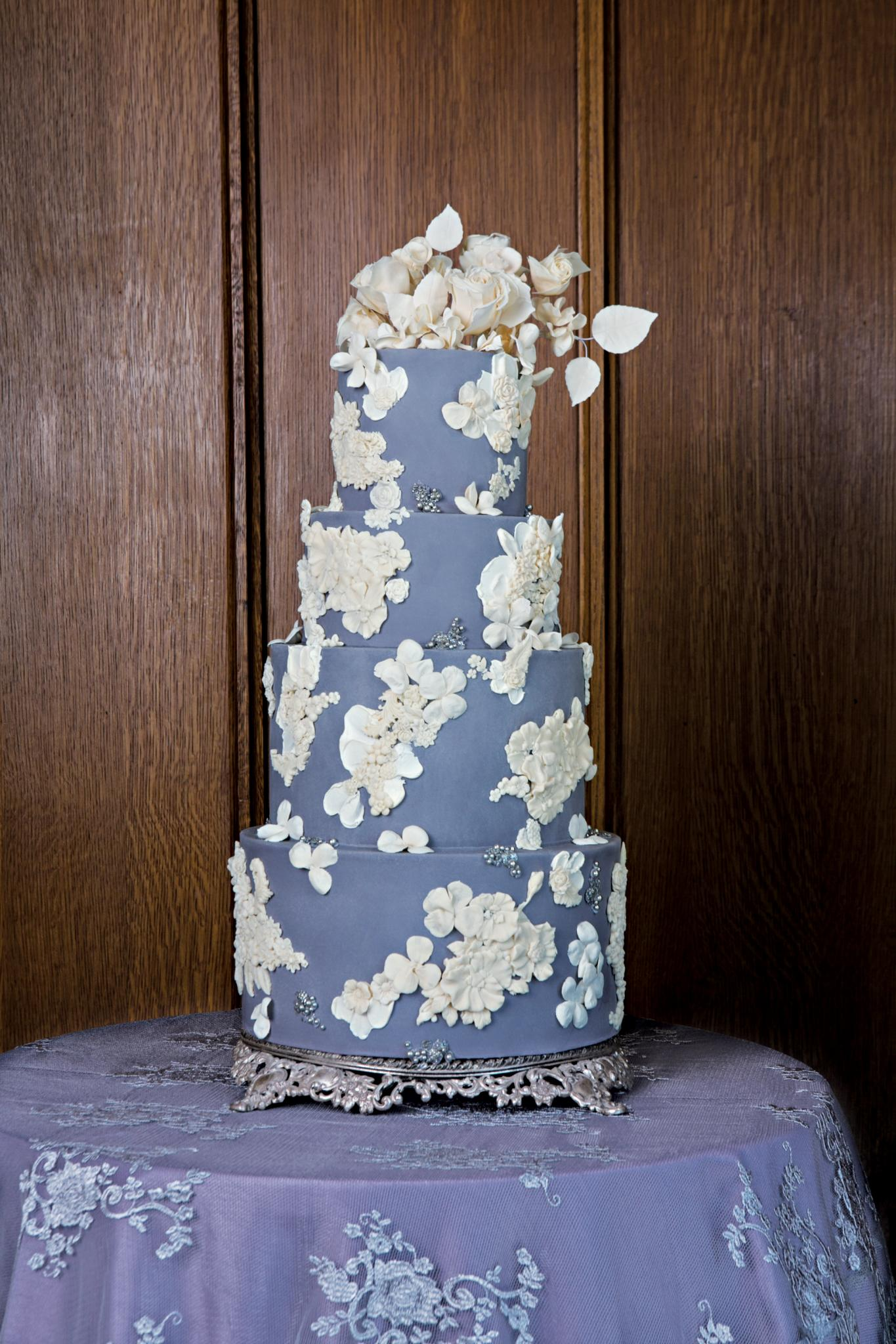 wedding cake | chiago wedding cake | chicago wedding design | amy beck cake design | wedding decor | cake design | wedding dessert | wedding inspiration