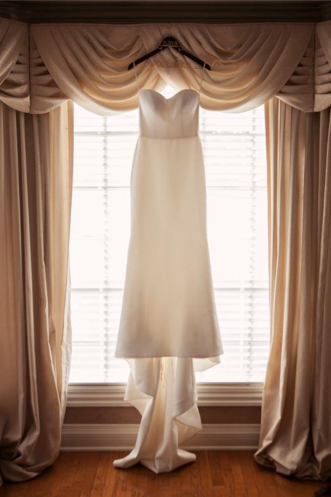 kolby j chicago wedding photography wedding dress