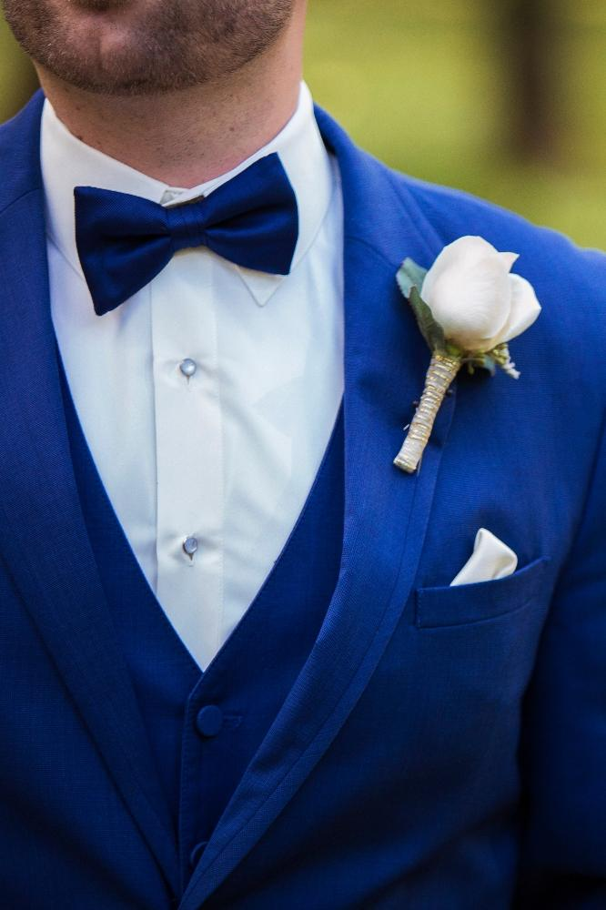 kolby j chicago wedding photography groom boutonniere