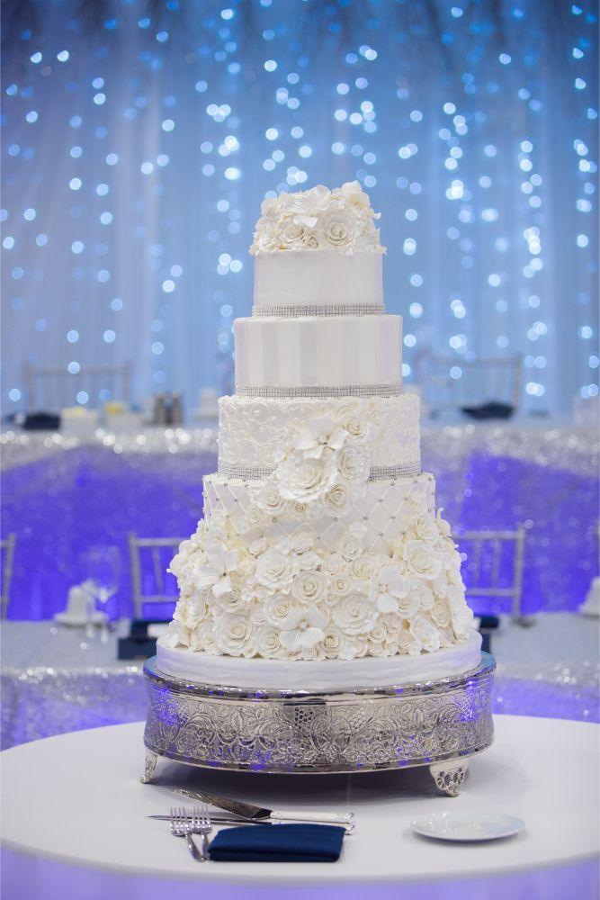 brittany matthew local love the ridge hotel chicago wedding cake