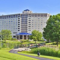 Hilton Chicago/Oak Brook Hills Resort in Oak Brook Hills, IL | Wedding Venue