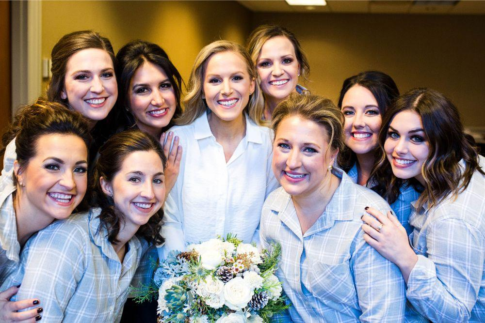 hilary bill galleria marchetti chicago, il wedding bride and bridesmaids getting ready
