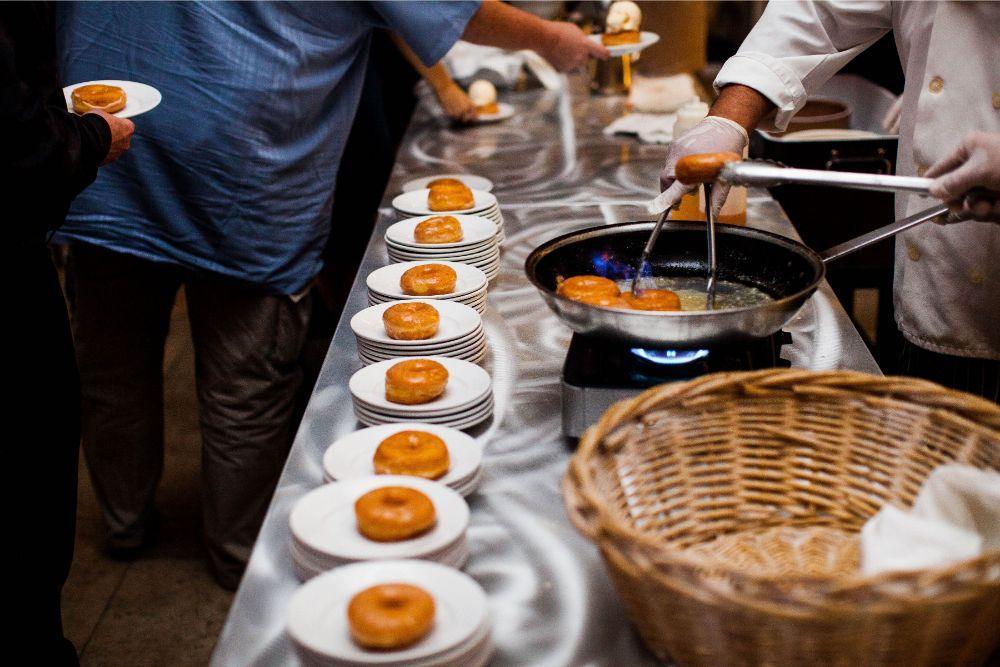 hilary bill galleria marchetti chicago, il wedding late night donuts