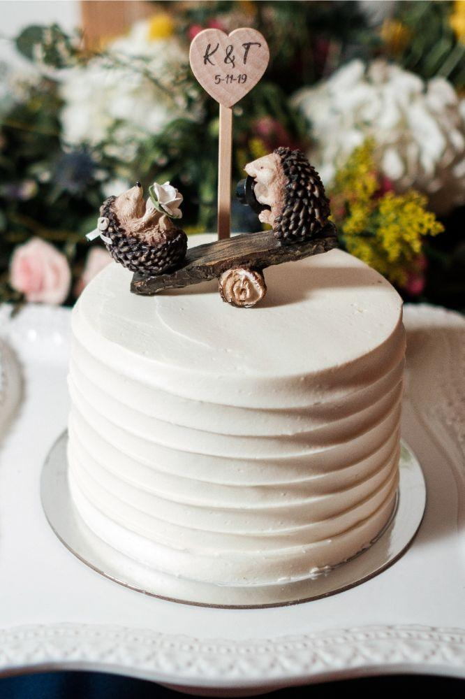 local love kaitlyn tom lacuna lofts chicago, il wedding cake hedgehog cake topper