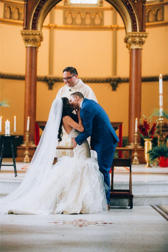 kathy michael skyline loft bridgeport art center chicago wedding first kiss