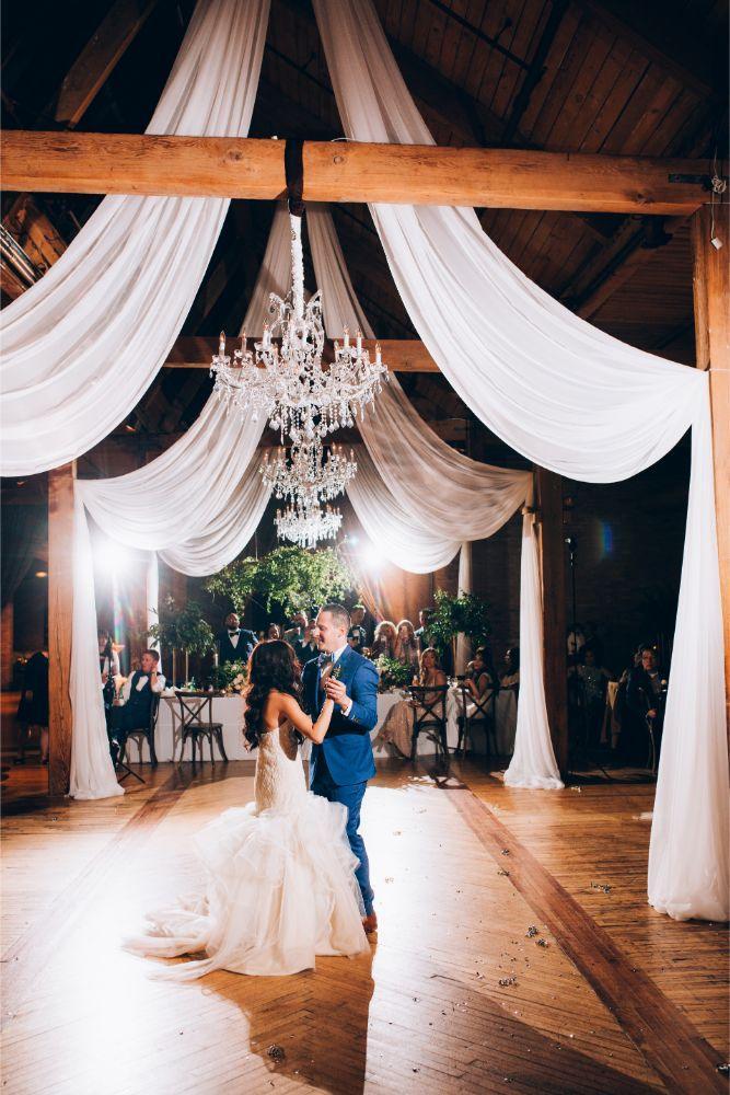kathy michael skyline loft bridgeport art center chicago wedding first dance